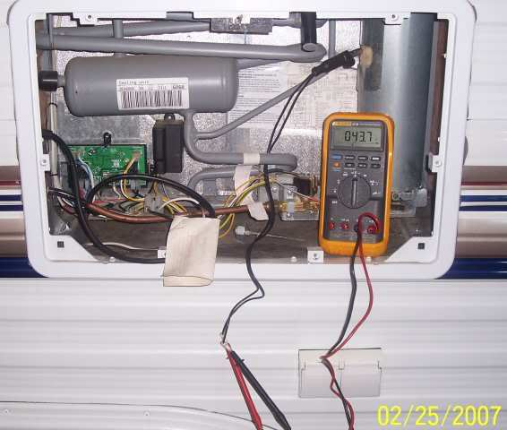 img_71287_2_f4dc479c8f26546c4372e2a519feffbf dometic refrigerator not working, help! 1995 t 1950 sunline dometic refrigerator wiring diagram at bayanpartner.co