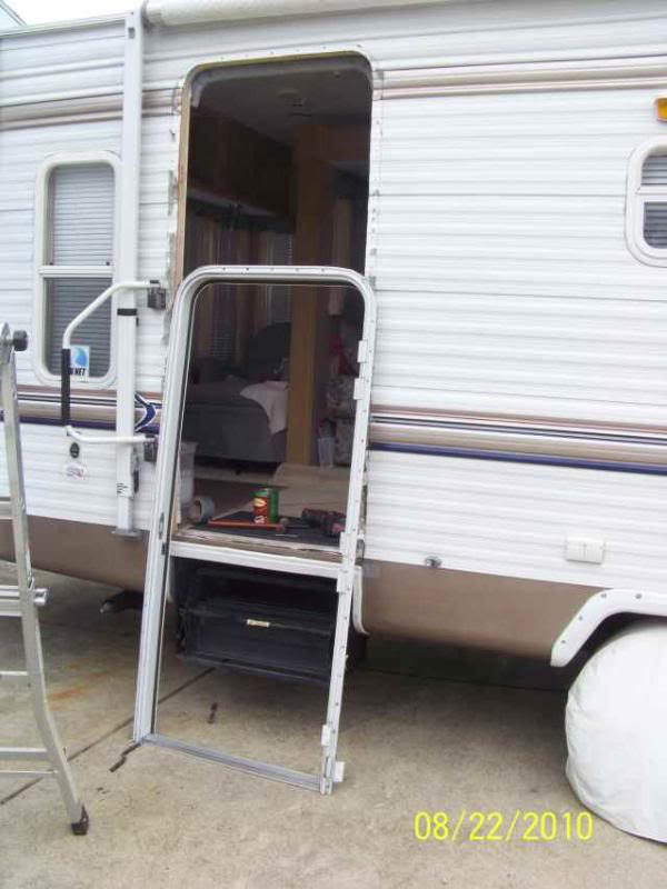 Entry Door Out of Square - (Lots of pics) - Sunline Coach